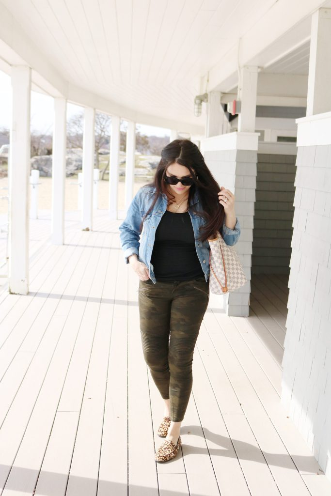 How to Style Denim Jean Jackets with these 4 Jean Jacket Outfit Ideas for an easy way to transition to spring | wearing jean jacket with camo pants | Darling Darleen Top Lifestyle Blogger #jeanjacket #denimjacket #darlingdarleen #darleenmeier