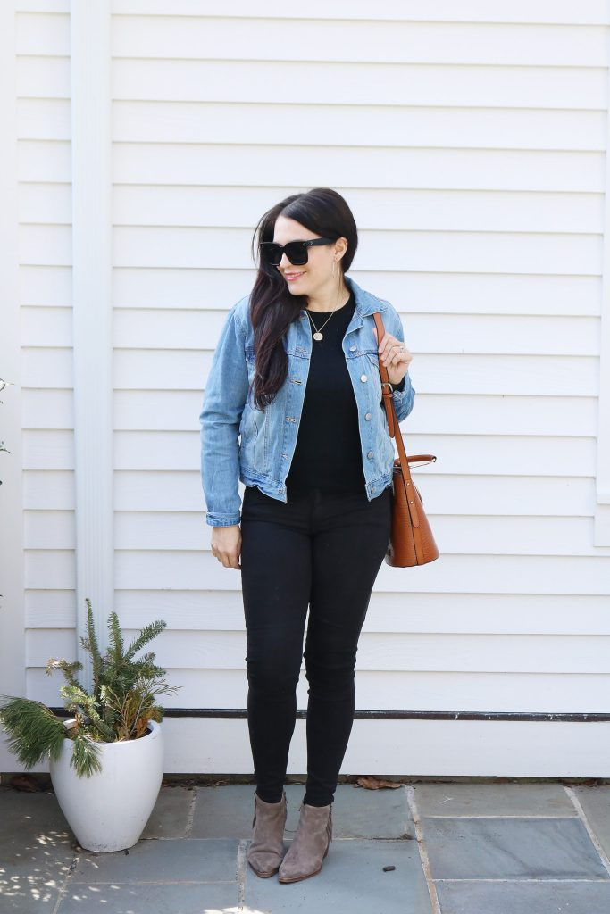 How to Style Denim Jean Jackets with these 4 Jean Jacket Outfit Ideas for an easy way to transition to spring | wearing jean jacket with black work outfit | Darling Darleen Top Lifestyle Blogger #jeanjacket #denimjacket #darlingdarleen #darleenmeier