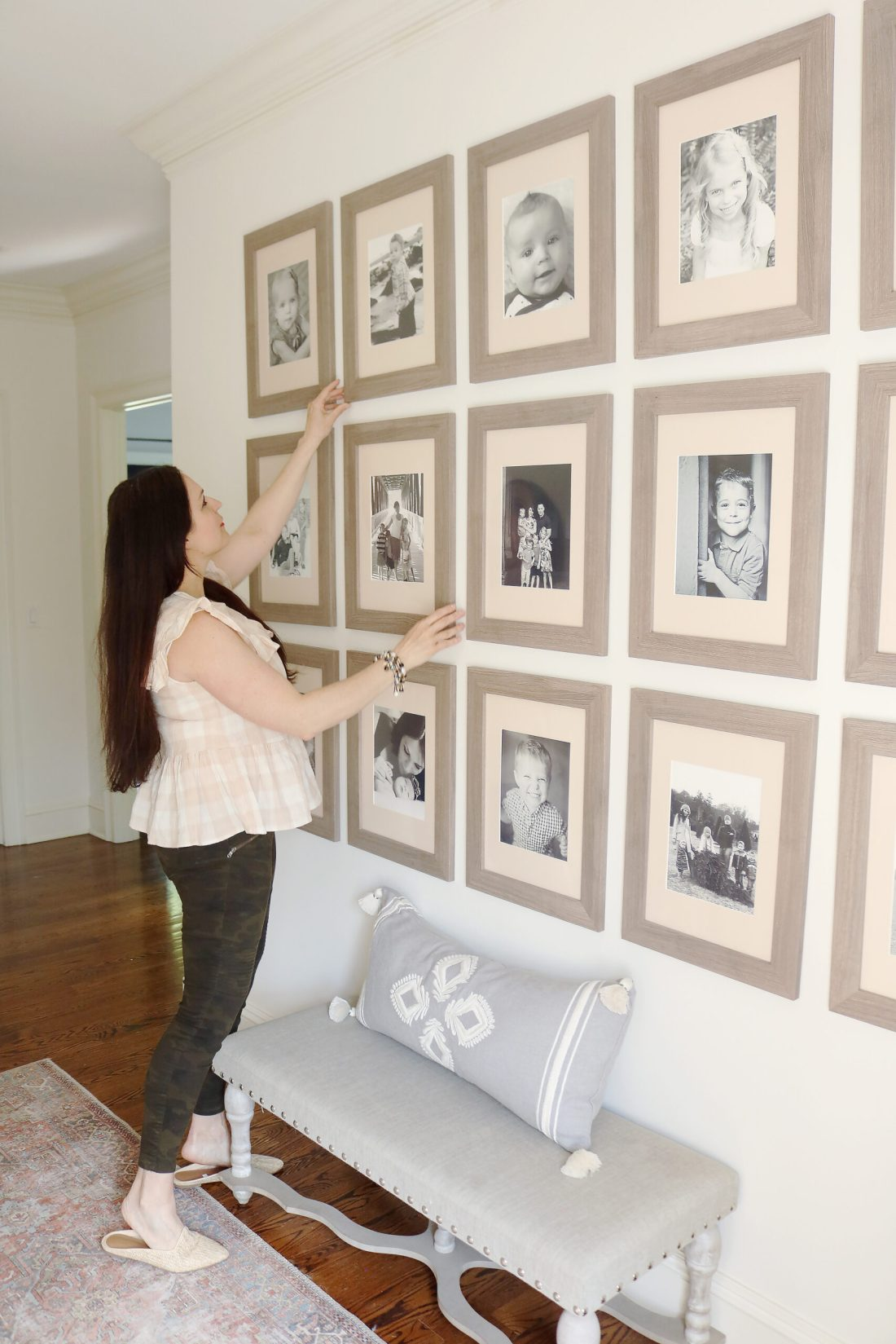 Follow this guide for an Easy method on how to hang a picture grid gallery the way professional do. || Darling Darleen Top Lifestyle Connecticut Blogger