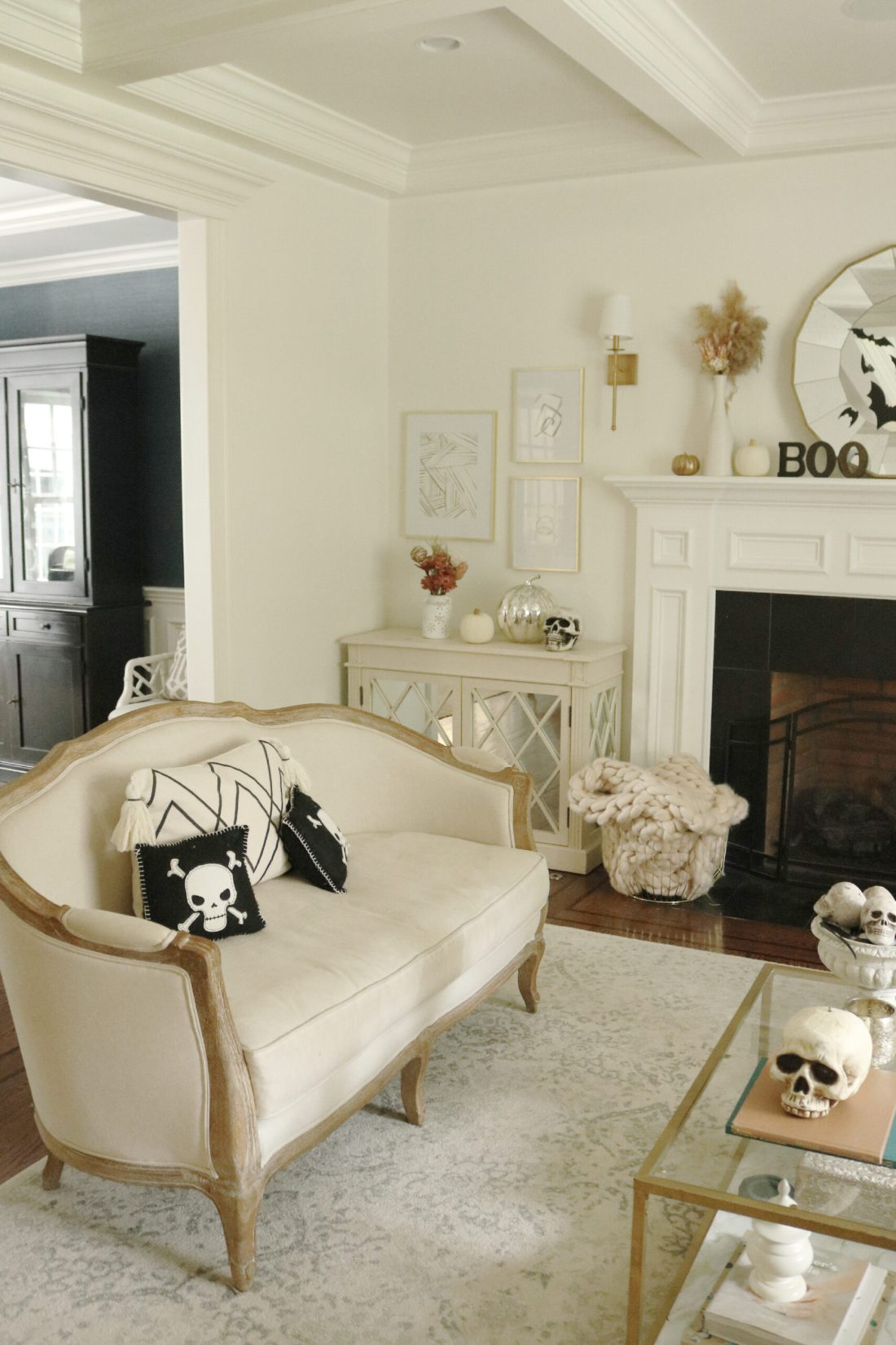 Our not-so-spooky Halloween Home Decorations with spiders and skeletons--simple and easy spooky fun    Darling Darleen Top CT Lifestyle Blogger #darlingdarleen #halloweendecorations