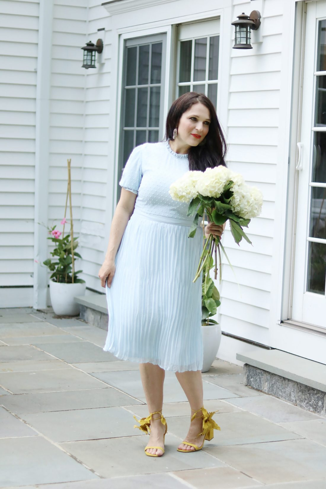Easter Dresses This Season that are a little bit of lace, floral and pastel colors || Darling Darleen Top CT Lifestyle blogger #darlingdarleen #easterdresses