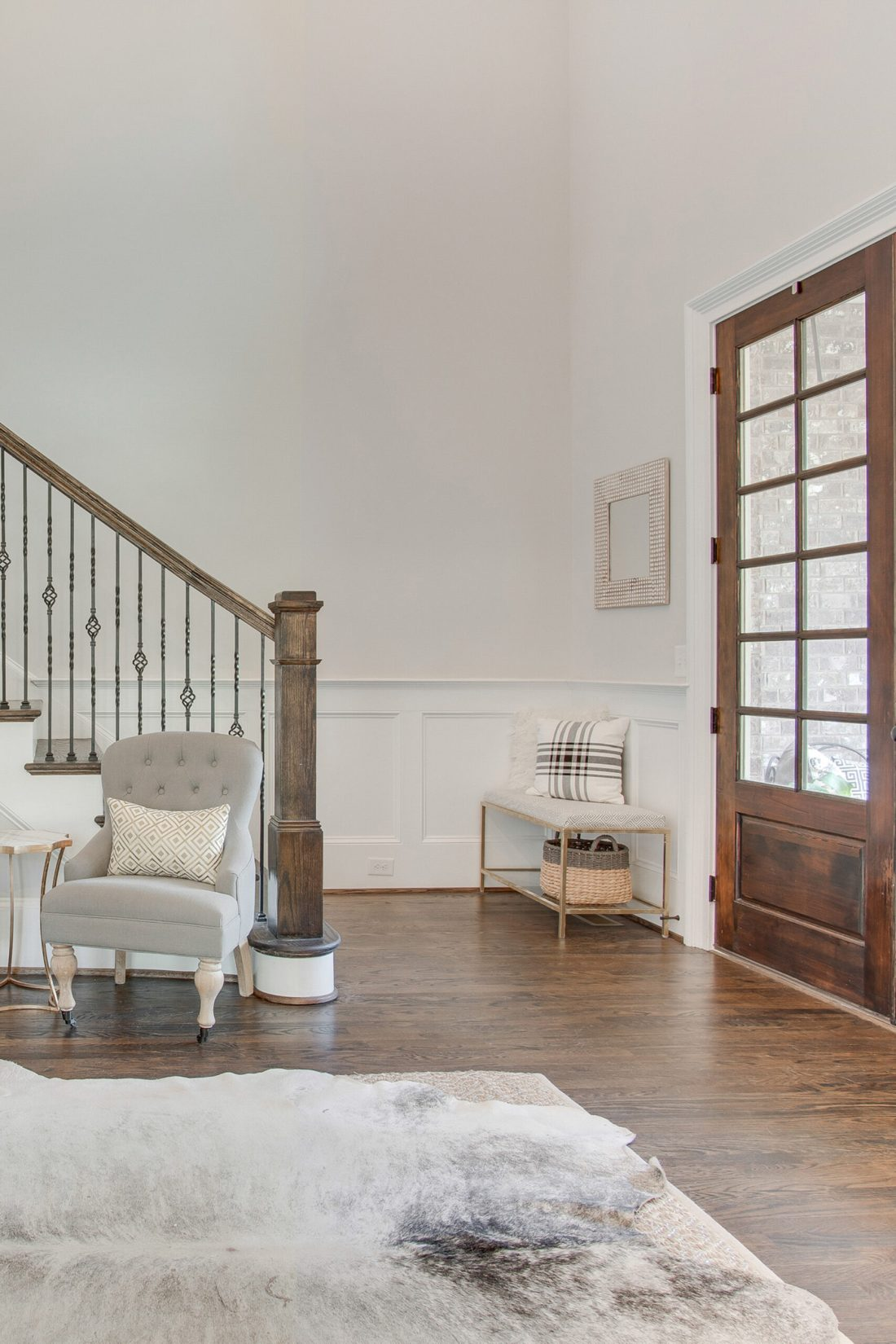 3 Tips to Prepare your House to Sell quickly.  Follow this quick, but in-depth  Guide getting your house ready to sparkle and leave a lasting impression on potential home buyers.   || Darling Darleen Top Lifestyle CT Blogger and real estate agent #realestate #homebuying #homeselling #sellingahome