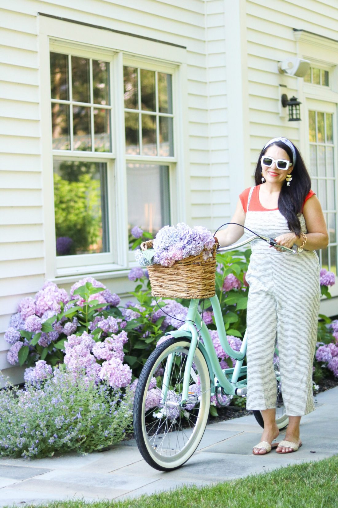Cutest bike cruiser to enjoy at the beach, around the neighborhood, or the city || Darling Darleen Top CT lifestyle blogger 3 favorite simple summer activities that we like to do as a family and is budget friendly will create lasting memories. || DARLING darleen Top CT Lifestyle Blogger