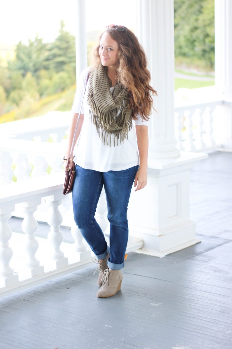 Olive Green Fringe Scarf, White V Neck, Levis, Booties