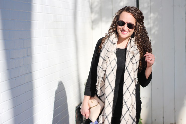 How to wear blanket scarves in the spring