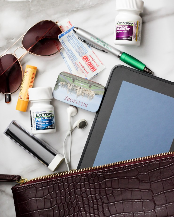 10 items everyone should have when traveling #moremomentswithexcedrin #ad