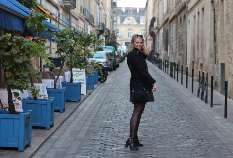 robe mademoiselle R, veste mango, echarpe, sac à main, bordeaux, chaussures bocage 6
