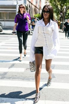 the-corset-trend-2017-street-style-3