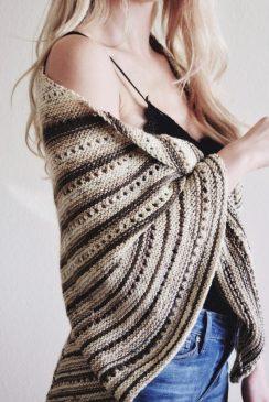 triangle scarf pattern