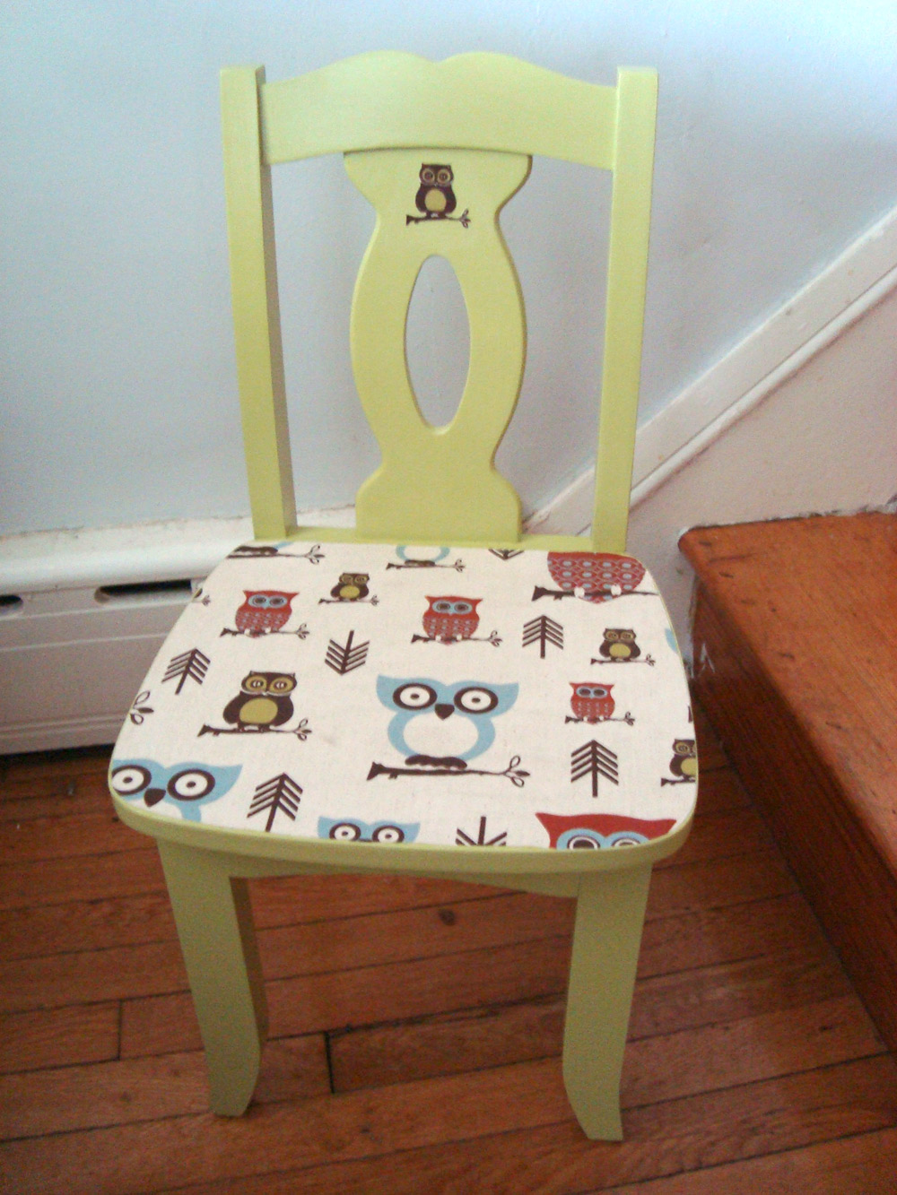make me pretty  kids chair with the cutest owls ever