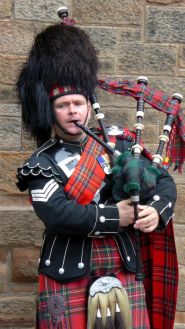Piper on Royal Mile