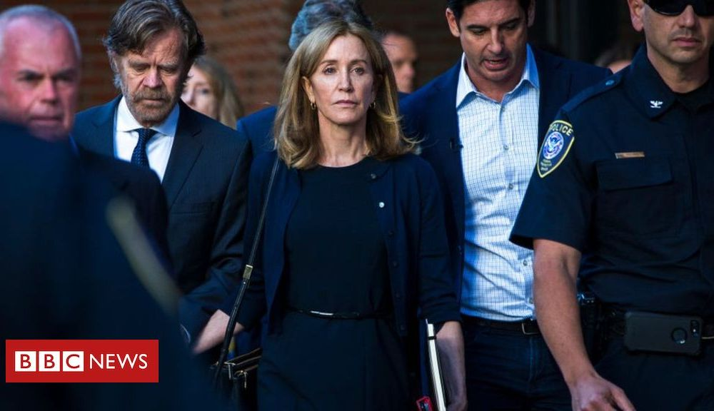 Sport Actress Felicity Huffman begins 14-day jail term for cheating scam