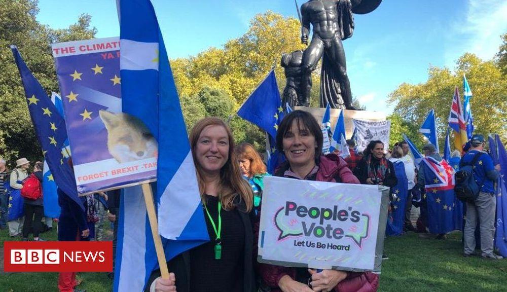 People's Vote march: Thousands gather for 'final say' Brexit protest