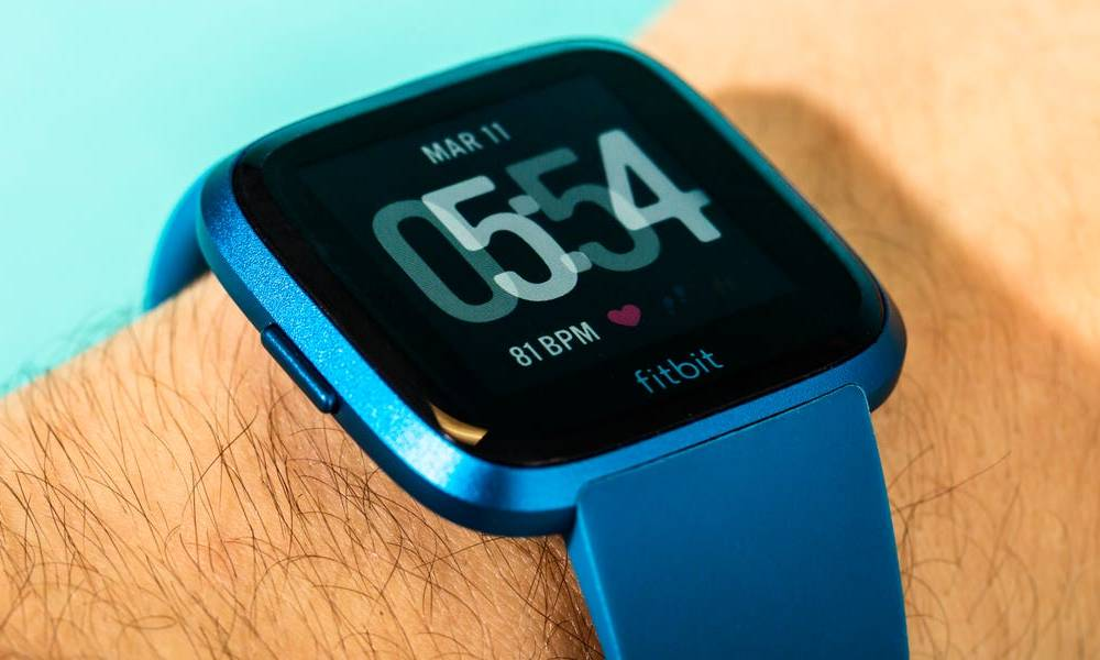 Fitbit quietly added a new feature to some of its products that the Apple Watch doesn't have (GOOG, GOOGL, FIT, AAPL)