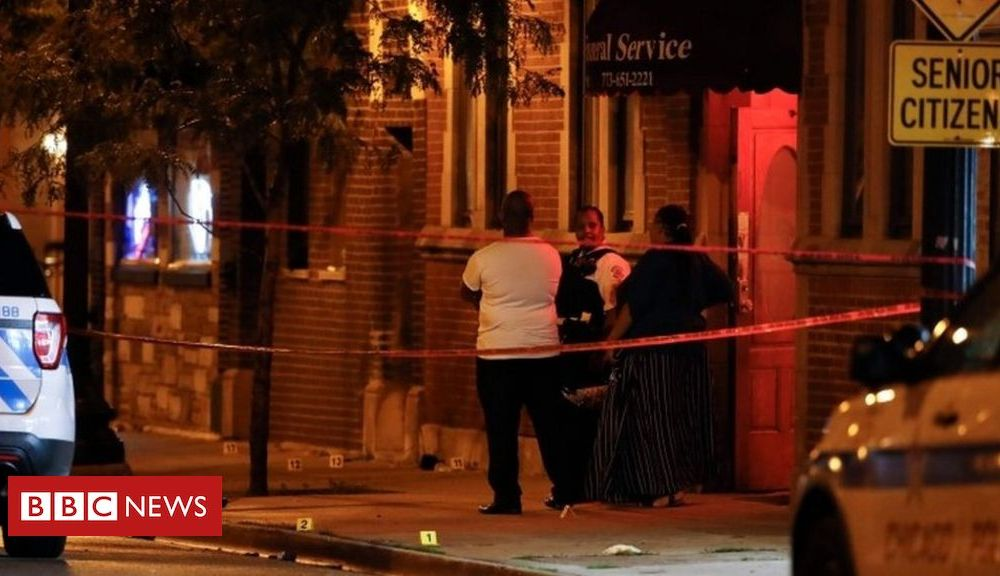 Trump Chicago violence: Fourteen mourners shot outside funeral home