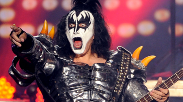 Rocker Gene Simmons of KISS says he never gets drunk and has never done drugs. He has a surprising reason why.