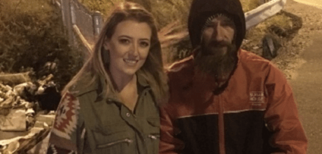 Homeless man spends his last $20 to save woman stranded with no gas.