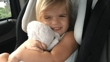 Publix workers go above and beyond to find little girl's lost stuffed bunny in a landfill.