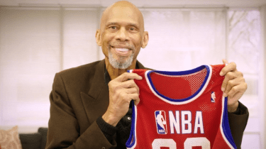 Kareem Abul-Jabbar is selling off his NBA memorabilia and giving the proceeds to help kids.