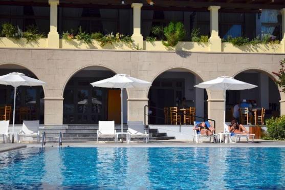 Rhodos - Pool - Grecotel - Royal