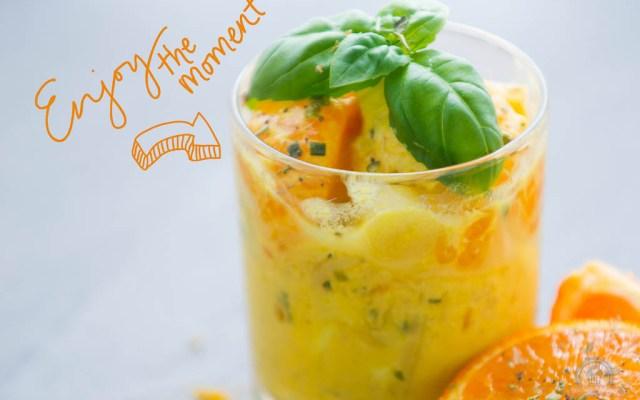 Fruchtiger Geflügelsalat mit Curry