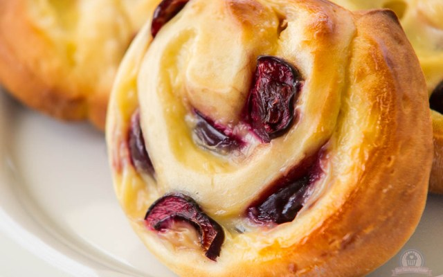 Pudding-Kirsch-Schnecken