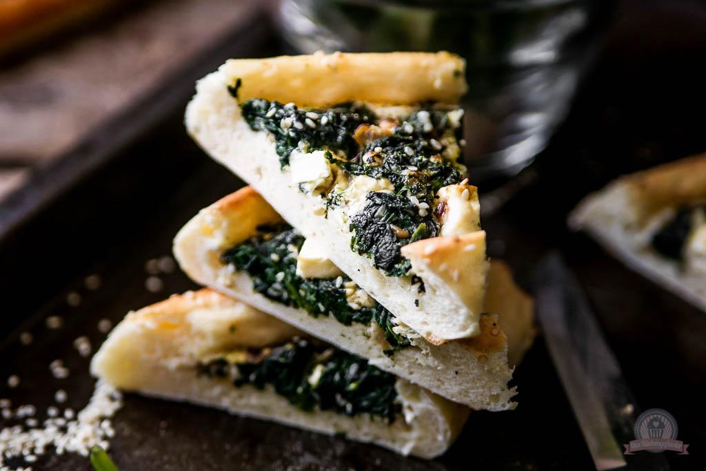 Pide mit Blattspinat und Feta - Das Küchengeflüster