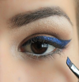 Shape cat eye with small angled brush; Sigma Small Angle E65