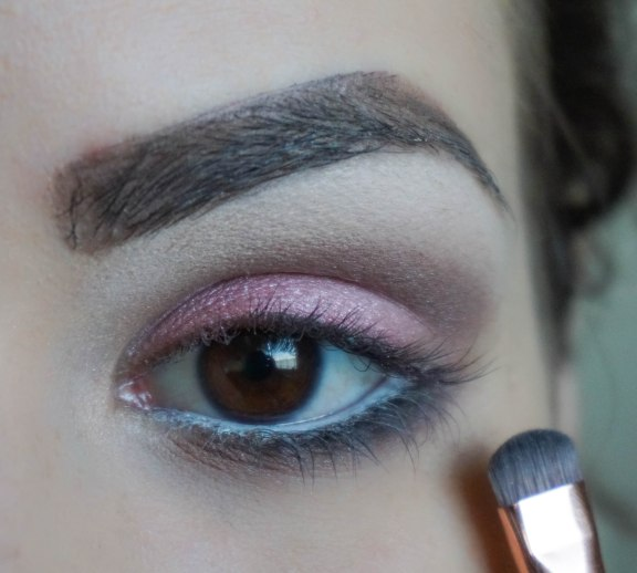 Apply dark matte eyeshadow very close to your lash line (this step will open your eyes); Shade CL030, Brush ZOEVA 226