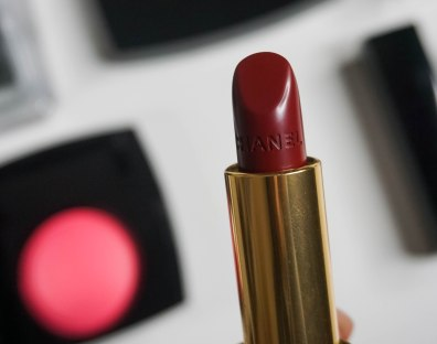 ROUGE ALLURE LE ROUGE INTENSE LUMIOUS 247 ULTRABERRY