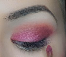 Apply Gossip on the eyelid tapping it on and then you can come back with previous eyeshadow; Alchemy you applied in outer corner and blen it together so there won't be any harsh lines