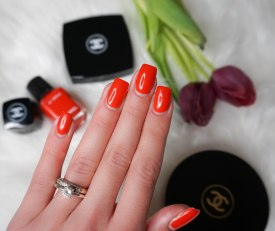 LE VERNIS 546 ROUGE RED