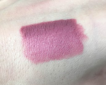 Velvet mat - satin lipstick 613 and Creamy Colour lip liner 315