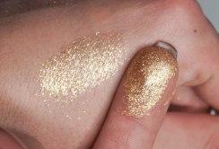 Eye Glitter Reflects- Golden Won At Oscar swatches