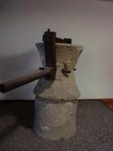 reconstructie met hout meelmolen pompeji