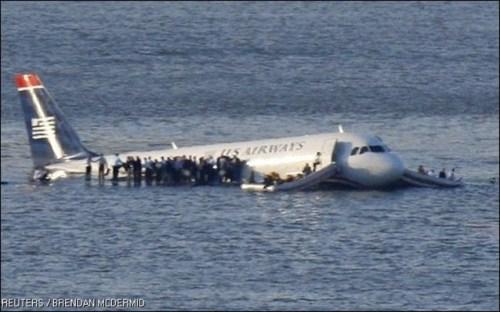 Πριν από οκτώ χρόνια αφού η πτήση 1549 της εταιρείας US Airways πραγματοποίησε αναγκαστική προσγείωση στον ποταμό Χάντσον, διότι έχασε και τους δύο κινητήρες της μετά από εναέρια σύγκρουση με ένα κοπάδι χήνες.