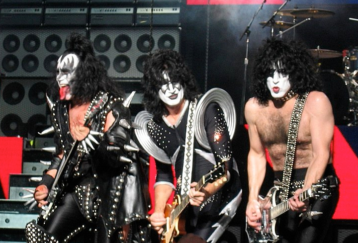 1024px-KISS_in_concert_Boston_2004