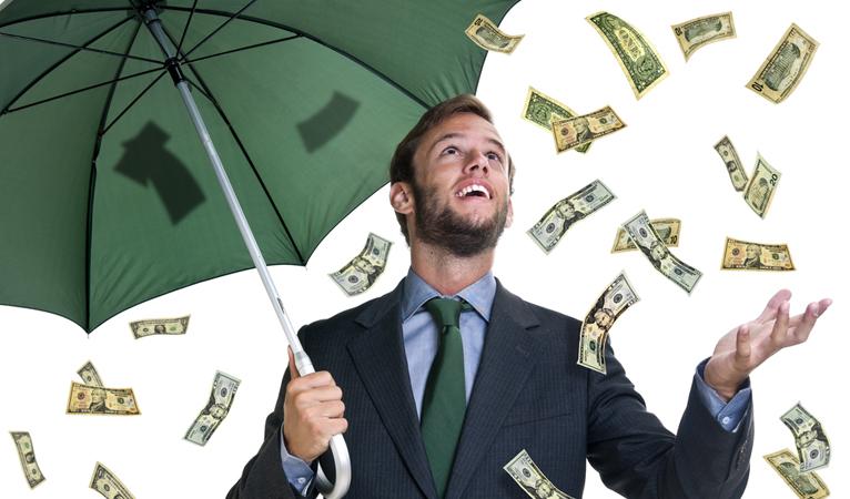 "Bitcoin Rallies on ""Free Money"" From Bitcoin Cash Chain Split"