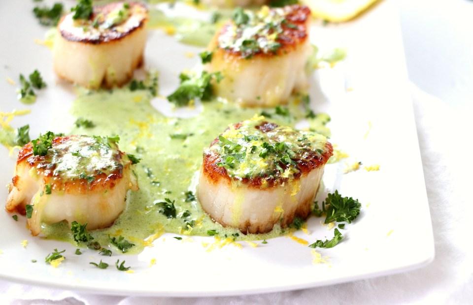 Seared Scallops with Creamy Basil Pesto Sauce