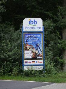 Werbetafel am Aaseeparkplatz an der Ledder Straße