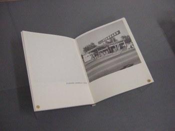 Kunstmuseum Basel | Ed Ruscha. Twentysix Gasoline Stations, 1963 (Foto: Marlene Obermayer)