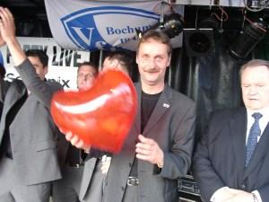 Peter Neururer hat sein Herz an den VfL Bochum verloren.