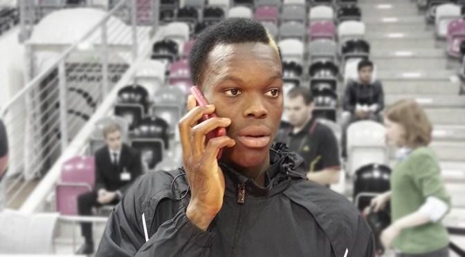 Auf ein Telefonat mit NBA-Spieler Dennis Schröder. Foto: DBB