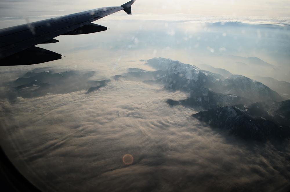 dasynka-travel-fashion-blogger-flight-clouds