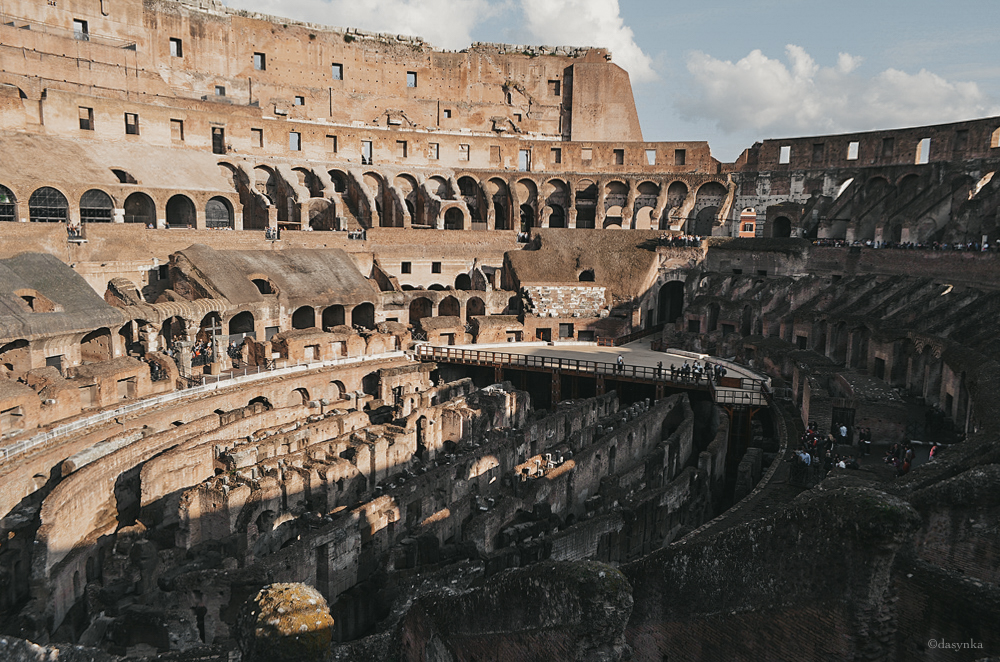 dasynka-fashion-blogger-shooting-model-blog-rome-travel-colosseum-pinterest
