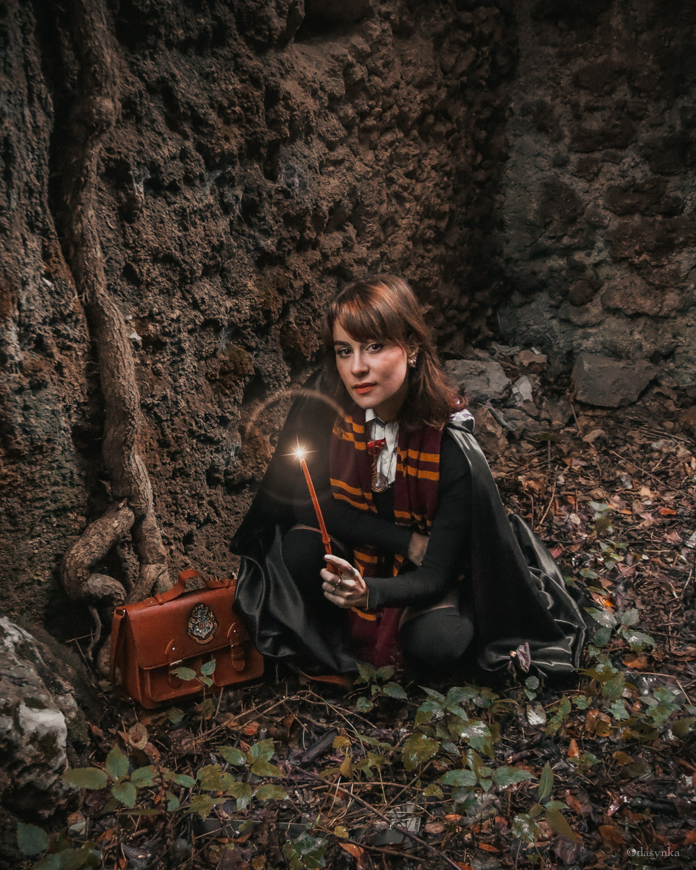 dasynka-fashion-blogger-blog-cosplay-cosplayer-disney-disneyland-halloween-make-up-costume-ideas-death-party-decorations-costumes-witch-harry-potter-hogwarts-aragog-forbidden-forest-dementor-voldemort-you-know-who-gryffindor-lumos-maxima-death-eater-wand-expecto-patronum-dementor
