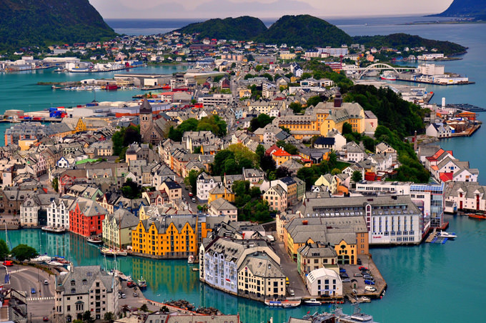 המקומות התיירותיים הקסומים בעולם! (בעריכה)