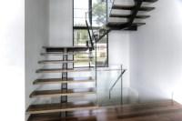 Vertebral collection - Central stringer - Stairs - Battig ...