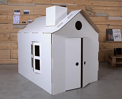 casa in cartone per bambini