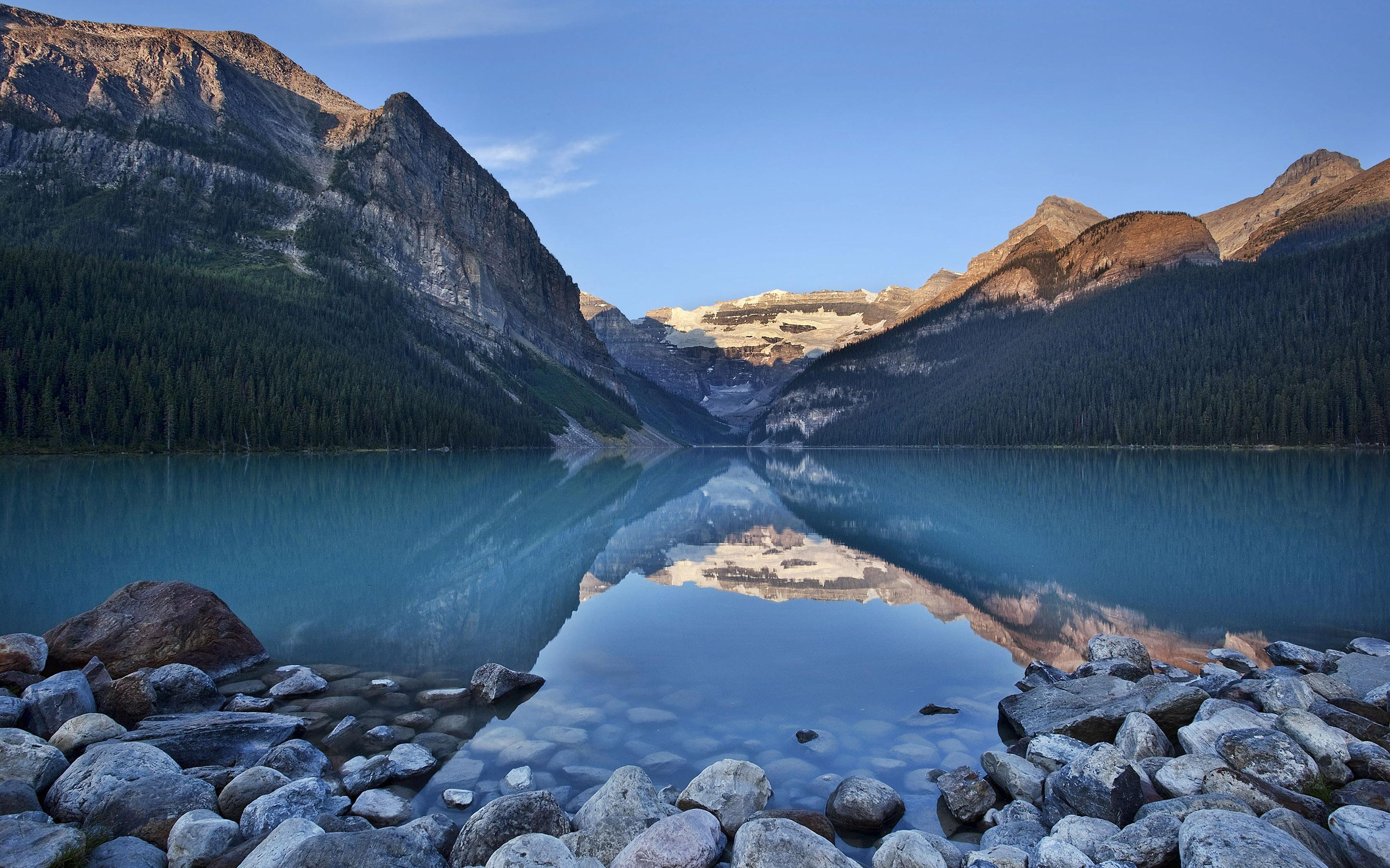 Free 3d Moving Wallpapers For Desktop Hd Calm Blue River In The Mountains Wallpaper Download